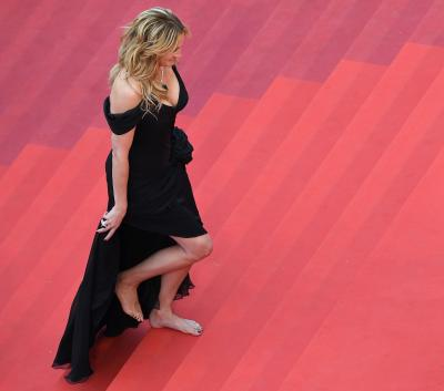 20160606092548-julia-roberts-hollywood-alfombra-cannes-lncima20160513-0095-1.jpg